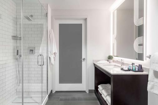 Tryp By Wyndham Newark Downtown - Newark - Bathroom