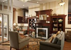 Queens County Inn & Suites - Queens - Lounge