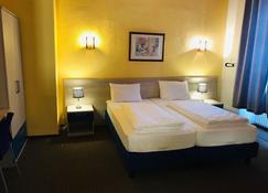 Hotel Restaurant Germania - Bernkastel-Kues - Slaapkamer