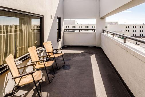 查爾斯頓康福特茵酒店 - 查爾斯頓 - 查爾斯頓 - 陽台