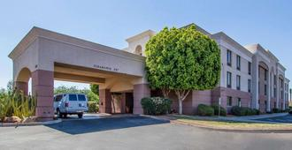 Comfort Inn I-10 West at 51st Ave - Phoenix - Edificio