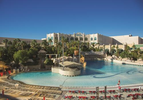 Mandalay Bay Resort And Casino Aed 191 A E D 8 8 2 Las Vegas Hotel Deals Reviews Kayak