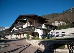 B&B Villa Cinzia - Pieve di Ledro - Rakennus