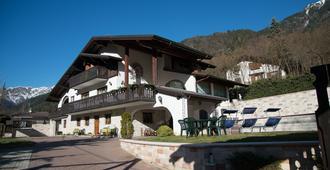 B&B Villa Cinzia - Pieve di Ledro - Edificio