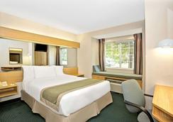 Microtel Inn & Suites by Wyndham Raleigh Durham Airport - Morrisville - Makuuhuone