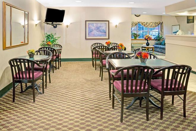 Microtel Inn & Suites by Wyndham Raleigh Durham Airport - Morrisville - Εστιατόριο
