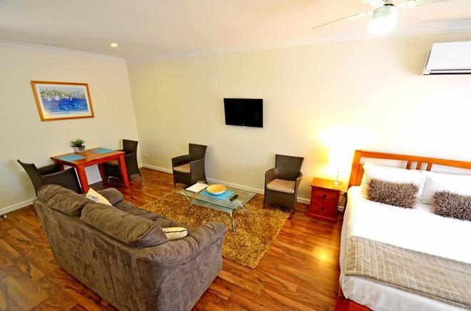 Inn The Tuarts Guest Lodge Busselton - Busselton - Olohuone