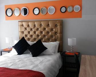 Hillside Cottage Guest House - Масеру - Bedroom