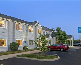 Microtel Inn & Suites by Wyndham Mason/Kings Island - Mason - Rakennus