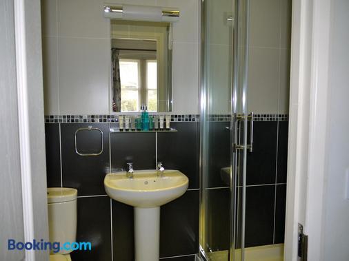 The Pilot Boat Inn - Bembridge - Bathroom