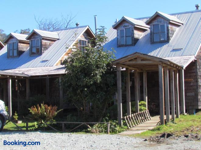 Hosteria Catalina - Hualaihué - Building