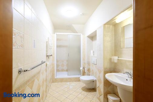 Hotel U Simla - Carlsbad - Bathroom