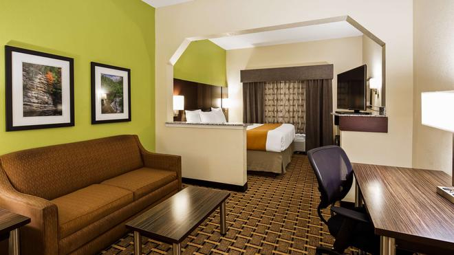 Best Western Knoxville Suites - Downtown - Knoxville - Bedroom