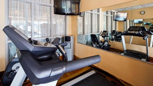 Best Western Knoxville Suites - Downtown - Knoxville - Kuntosali