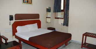 斯里蘭卡西酒店 - 蒂魯伯蒂 - 蒂魯伯蒂