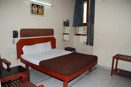 Sri Sai Residency - Tirupati - Bedroom