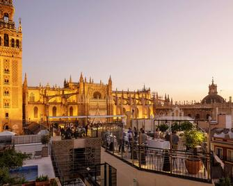 Eme Catedral Hotel - Seville - Outdoor view