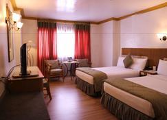 Golden Pine Hotel - Baguio - Bedroom