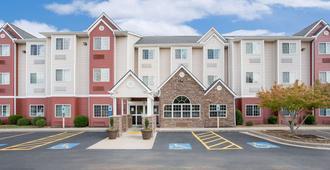Microtel Inn & Suites by Wyndham Bentonville - Bentonville