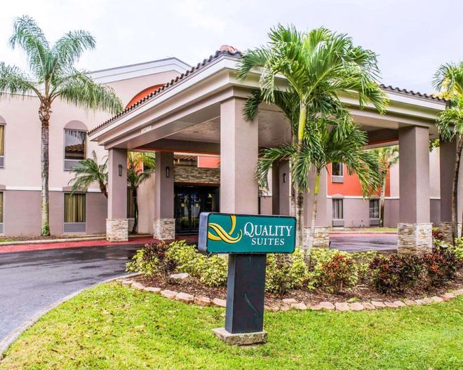 Quality Suites Fort Myers - I-75 - Fort Myers - Rakennus