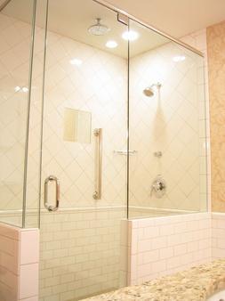 Best Western Premier Mariemont Inn - Cincinnati - Bathroom
