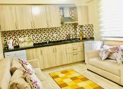 Alibeyoglu Apart Otel - Trabzon - Kitchen