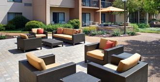 Courtyard by Marriott St. Louis Creve Coeur - San Luis - Patio