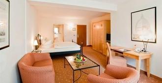 Hotel Barbarossa - דיסלדורף - חדר שינה