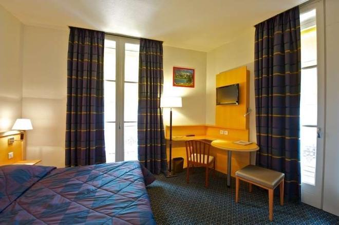 Hotel Le Bourbon - Pau - Bedroom