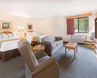 Baymont by Wyndham Hot Springs - Hot Springs - Bedroom