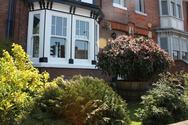 Linhill Guest House - Stratford-upon-Avon - Näkymät ulkona