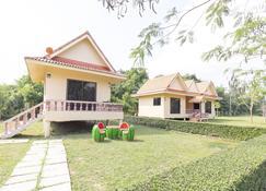 OYO 75359 Thaiburi Thara Resort - Dan Makham Tia - Gebäude