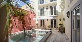 Dear Lisbon - Charming House - Лиссабон - Бассейн