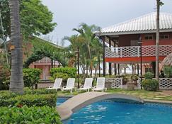 Hotel Vistamar - Pochomil - Pool