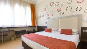 Hotel Piacenza - Milán - Habitación
