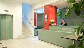 Hotel City am Bahnhof - Berna - Recepción