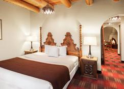 Sagebrush Inn & Suites - Taos - Bedroom