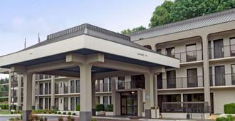 Baymont by Wyndham Nashville - Nashville - Gebäude