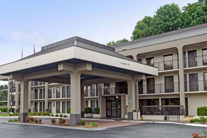Baymont by Wyndham Nashville - Nashville - Building