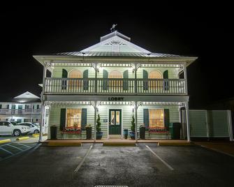 Key West Inn - Fairhope - Fairhope
