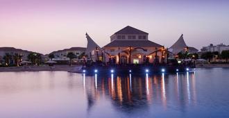 Mövenpick Beach Resort Al Khobar - אל חובר - בניין