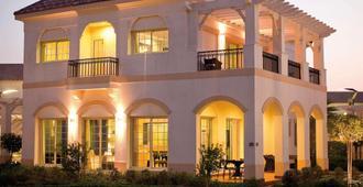 Mövenpick Beach Resort Al Khobar - Al Khobar - Building