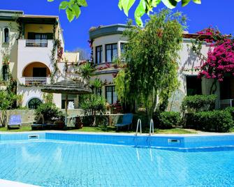 Aquarius Apartments - Agia Pelagia - Pool