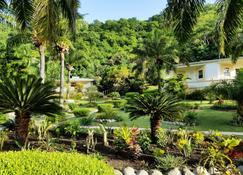 Blue Horizons Garden Resort - St. George's - Outdoor view