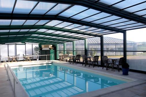 Jum'hotel - Saints-Geosmes - Pool