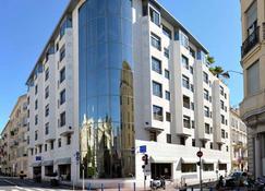 Goldstar Resort & Suites - Nice - Gebouw