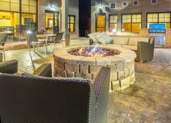 Residence Inn Lexington Keeneland/Airport - Лексингтон - Патио