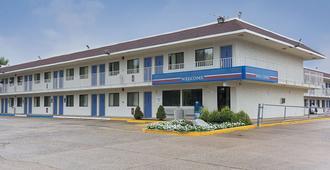 Motel 6 Fredericksburg - Fredericksburg - Toà nhà