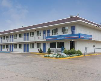 Motel 6 - 弗雷德里克斯堡 - 腓特烈堡 - 弗雷德里克斯堡(弗吉尼亞州) - 建築