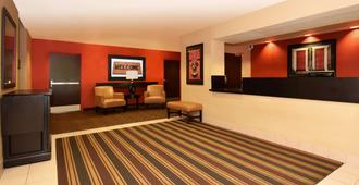 Extended Stay America Suites - Austin - Downtown - Town Lake - אוסטין - דלפק קבלה